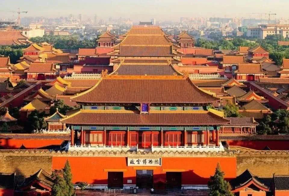 紫禁城600周年1公斤紀念金幣.jpg